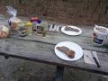 Steaks auf dem Tisch sab