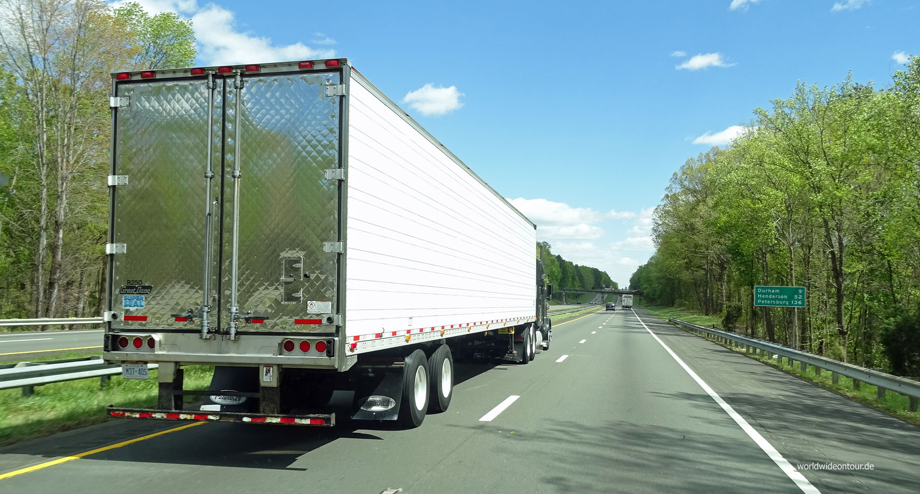 Truck überholt whe