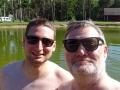 Geburtstagsbesuch auf Saaremaa: Sohn Thore besucht den Autoren.