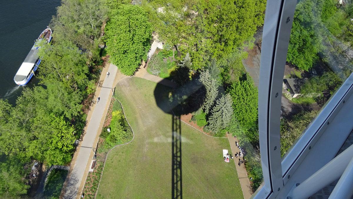 Skyliner Schatten wheof.jpg