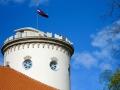 Turm mit Flagge sabof