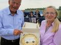 Norbert Treu und Erika Milling mit Torte wheof
