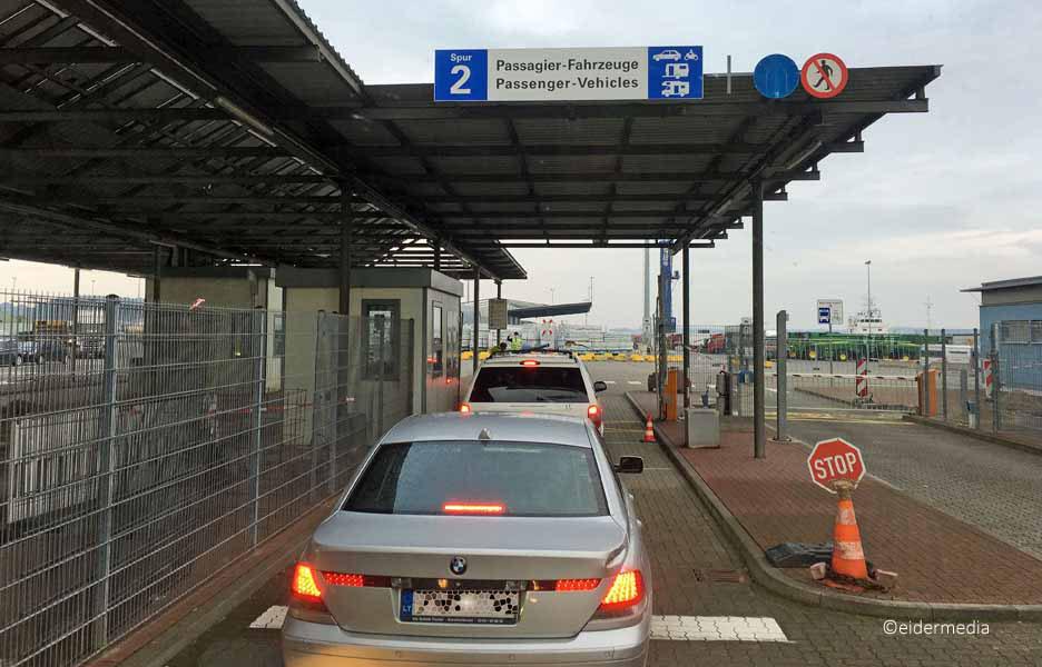 Einfahrt Kiel Port sab