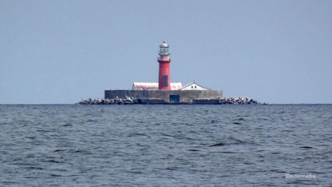 Leuchtturm auf Insel sab