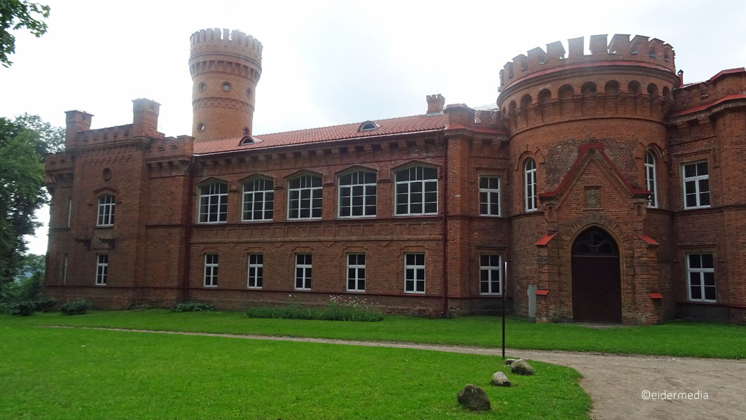 Raudone-Castle-whe