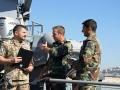 P im Gespräch mit libanesischen Offz wheof.jpg