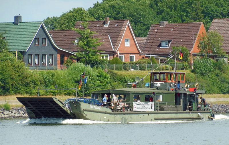"""""""Der Reservist"""" gehört einst zur Flußpionierkompanie 800 in Achim an der Weser. Fotos: Henze"""