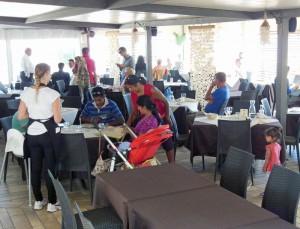 Gäste im Ristorante Balneare Antonio in Porto Recanati