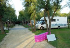 Der Sturm verteilte auch Luftmatrazen über den Campingplatz