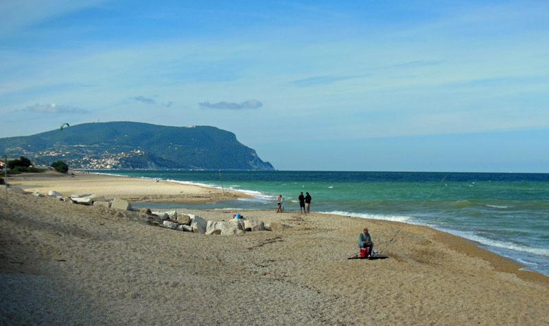 Der Strand am Monte Conero bei Ancona