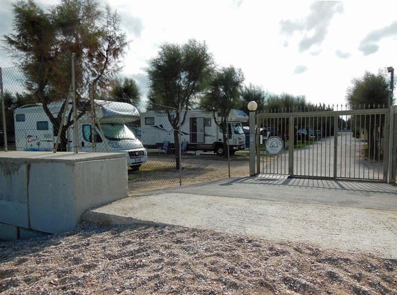 Auf dem Campingplatz Bellamare kann man fast auf dem Strand stehen