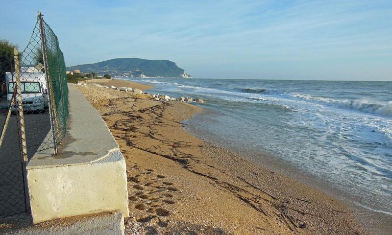 Der Strand vor dem Campingplatz wurde in die Adria gespült