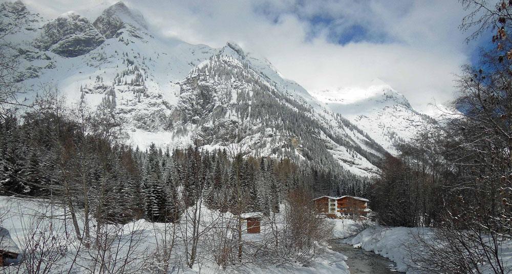 Die Reindlau-Klamm fließt vor dem Campingplatz