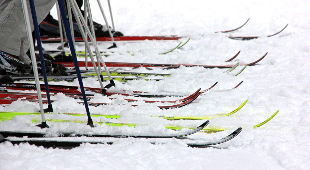 Für Anfänger kann ein kleiner Ski-Kurs nicht schaden