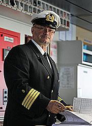 Kapitän Axel Werth. Fotos: Hapag-Lloyd
