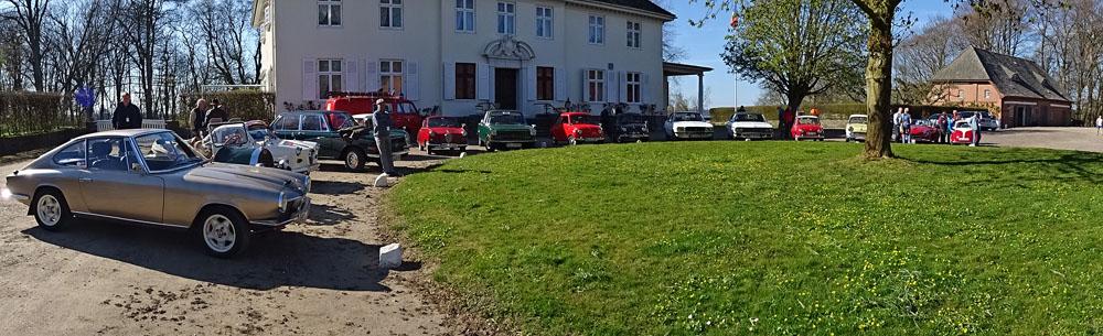 Oldtimer vor dem Gutshaus in Steinwehr