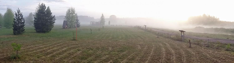 Morgennebel auf Leiputrija. Fotos: Henze/Sopha