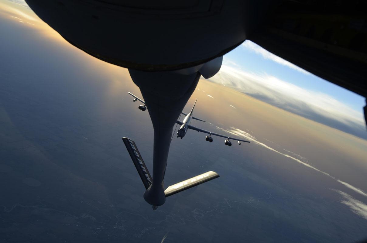 B 52 bei Luftbetankung