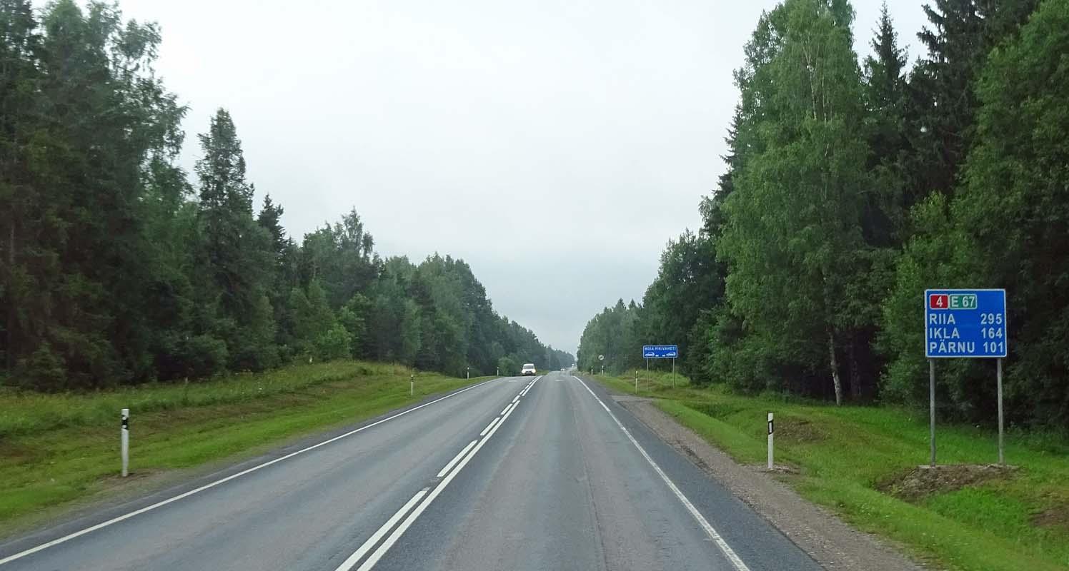 Wenig los zwischen Tallinn und Pärnu. Fotos: Henze