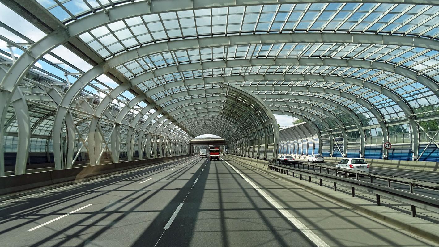 Die Glas-Tunnel von Warschau
