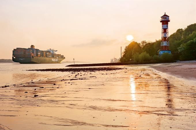 """Die """"Antwerpen Express"""" ist das Lieblingsschiff von Axel Werth. Fotos: HL"""
