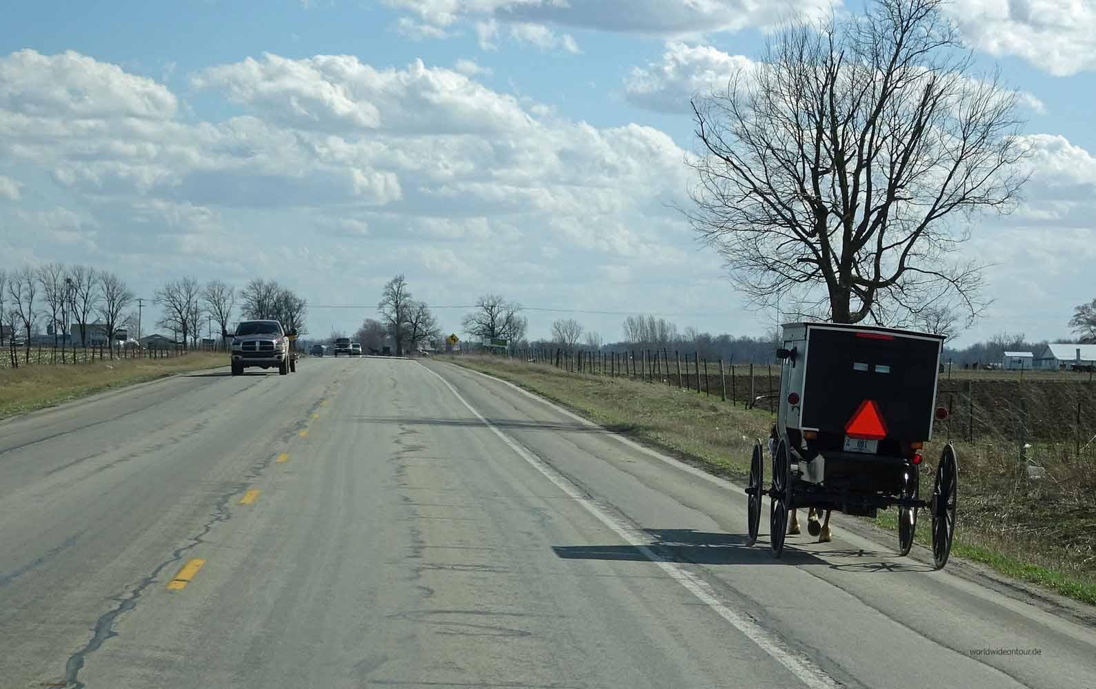 Amish-People: Mit der Kutsche in der Weite Indianas unterwegs.