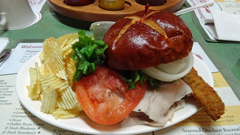 Wolf´s Deli-Sandwich im Amish-Style.