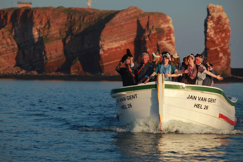 Mit dem Börteboot rund um Helgoland.