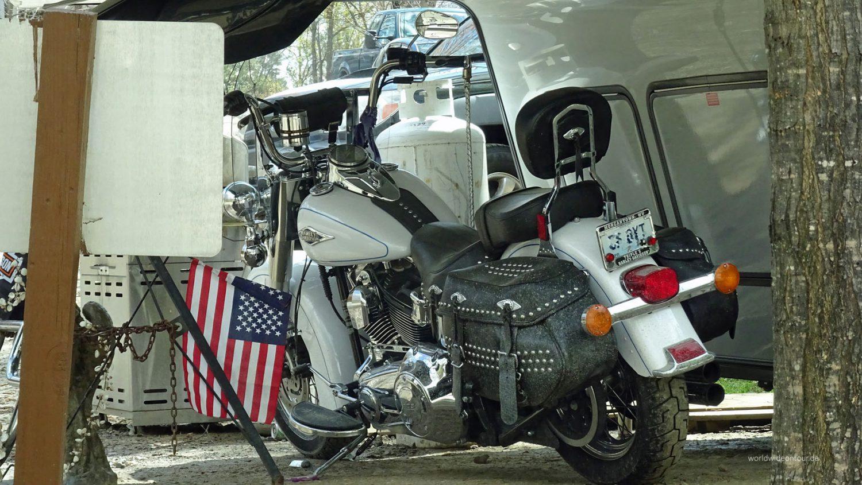 Fifth- und Toy-Wheeler bieten vorne Platz zum unterstellen der Big Bikes.