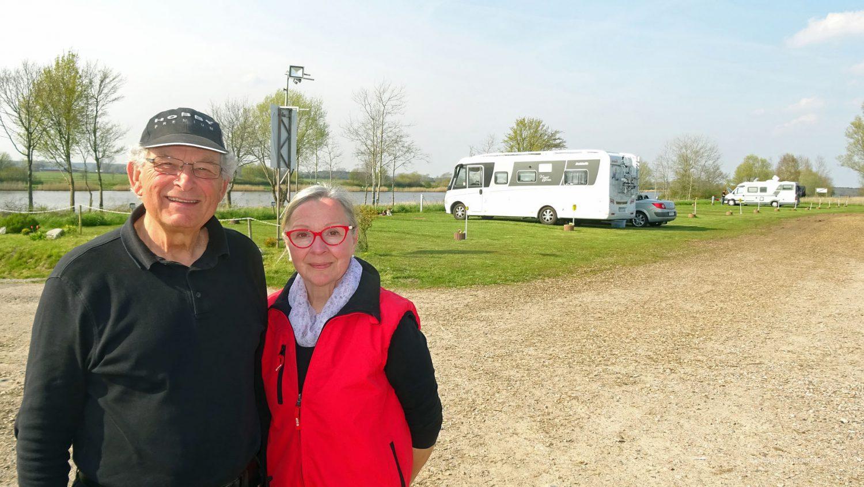 Erika Milling und Norbert Treu haben vor wenigen Jahren den Stellplatz in Hörsten-Schachtholm eröffnet.