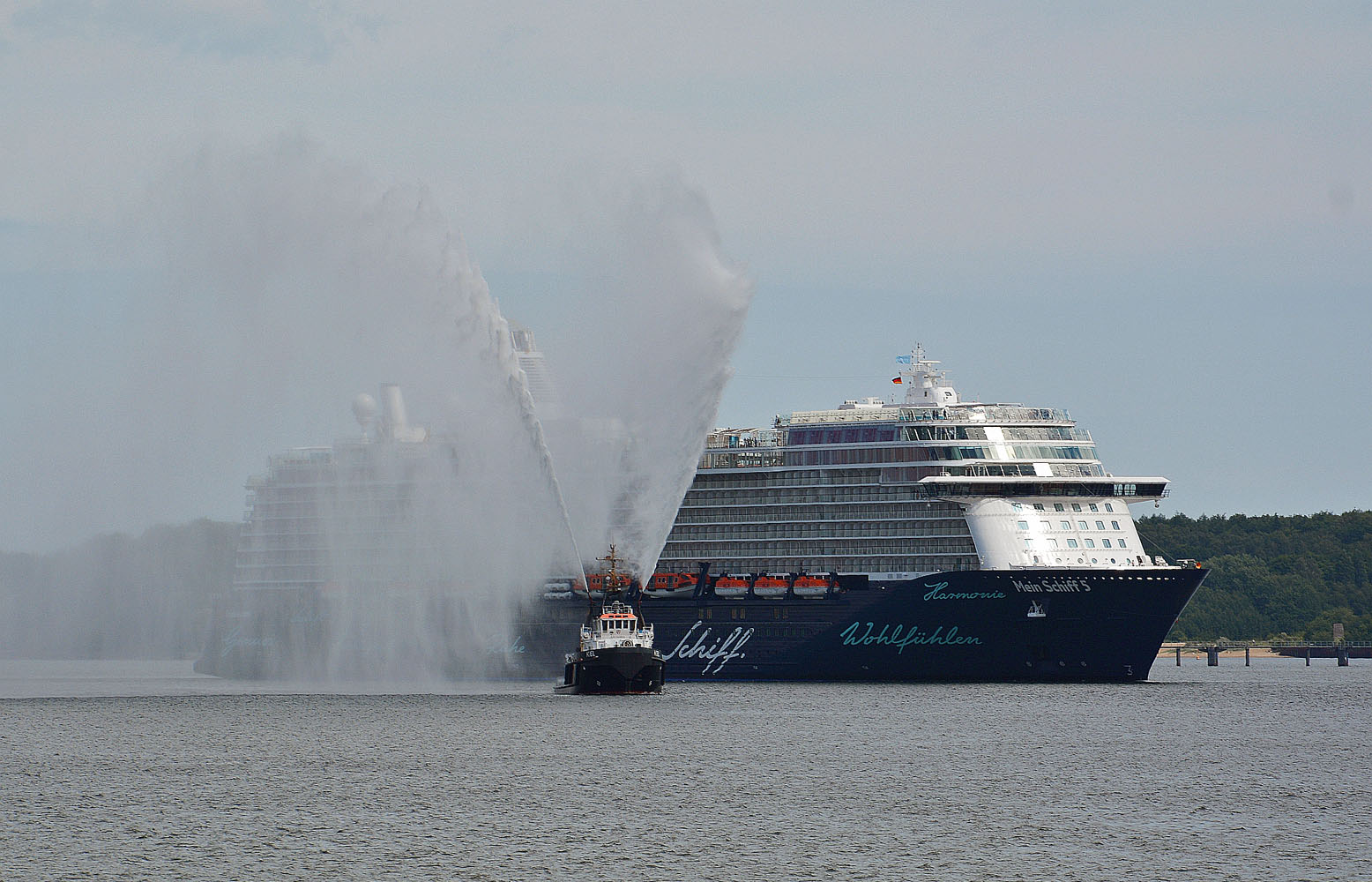 02 Mein Schiff 5 in Kiel 9062_bearbeitet-1