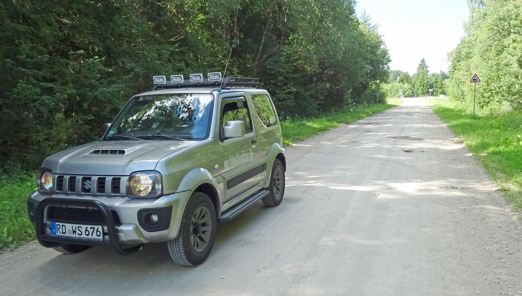 Bergziege auf dem Weg nach Katikodu whe