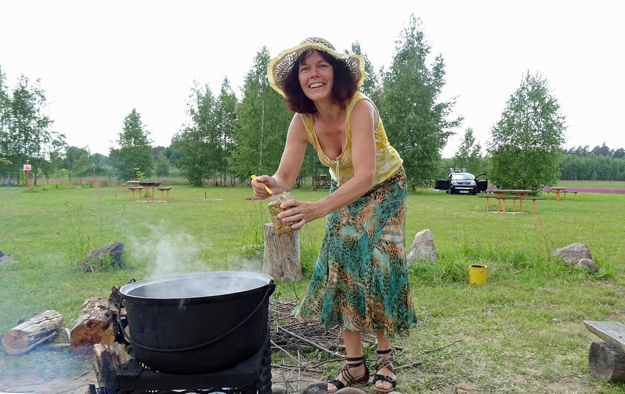 Heiß und lecker: Es gibt Sauerampfersuppe