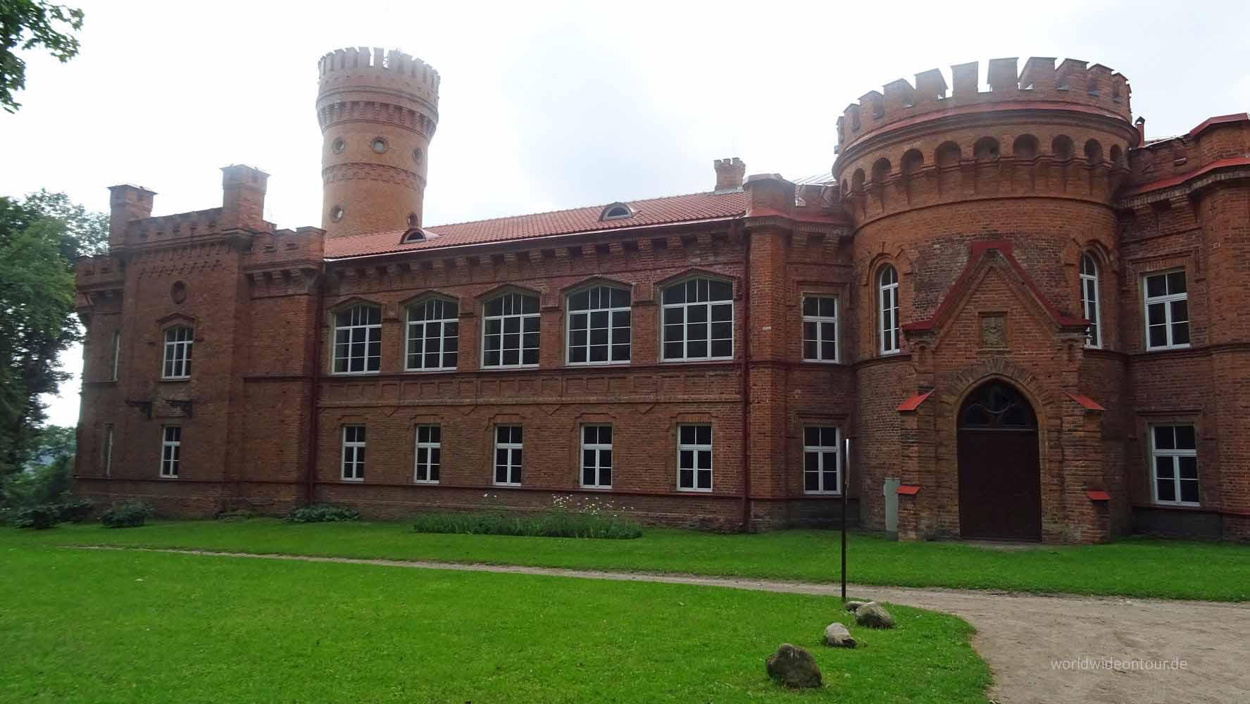 Raudone Castle wheof