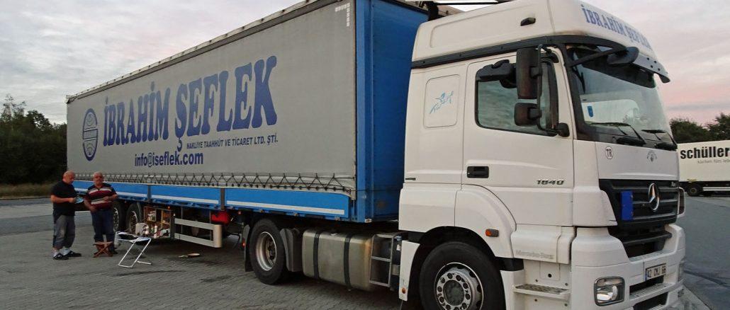 Der Truck von Celal Ceken läuft mehr als 10.000 Kilometer im Monat. Fotos: Henze