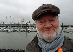 Der Autor beim Yachthafen.
